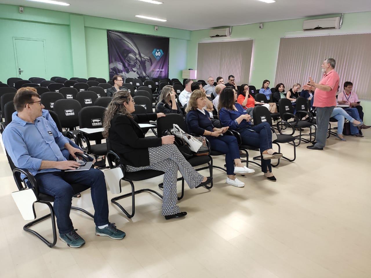 Núcleo COMEX da ACIC promove reunião sobre Desenvolvimento de Projetos