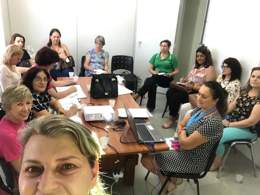 Núcleo da Mulher Empresária da ACIC participa de reunião do Conselho da Mulher